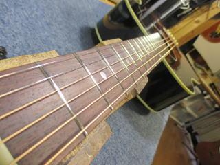Gibson J-45、フレット交換