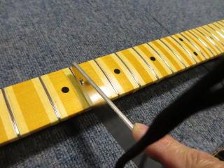 ギターリペア、フレットすり合わせ