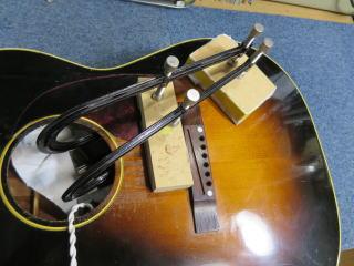 Gibson LG-2、修理、ナインス、東京、リペア、メンテナンス、ブレーシング