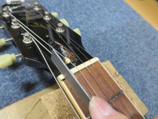 Gibson Les Paul,ナット調整