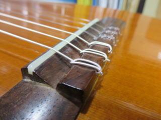 クラシックギター、サドル交換