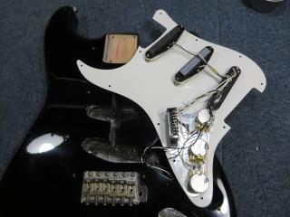 Fender Stratocaster、アッセンブリー交換