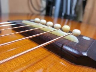 Gibson Southern Jumbo、サドル交換