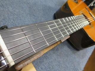 YAMAHA、クラシックギター、弦高