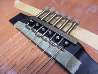 アコーステックギター、オクターブ調整
