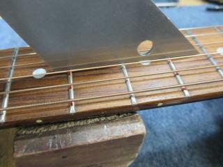 Gibson J-45、フレット
