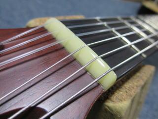GODIN ギター、ナット交換
