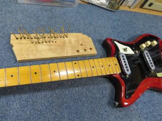 バーンズ・ギター、フレット交換