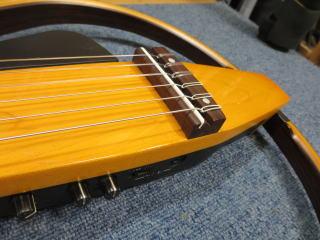 ヤマハ・サイレントギター、サドル調整