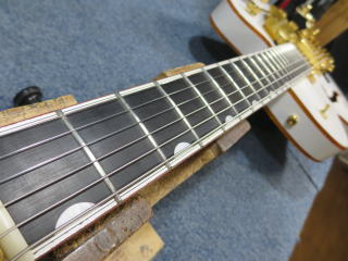 Gretsch 、ギターリペア、修理、バインディング剝がれ