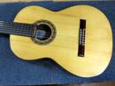 LEONA Guitarra