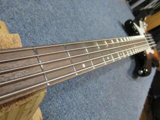 5弦ベースリペア、修理
