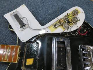 RICKENBACKER、配線修理