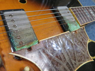Gibson Tal Farlow、リペア、修理、ピックガード