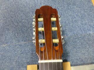 中出阪蔵 クラシックギター、修理、リペア