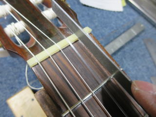 クラシックギター、ナット交換、リペア、修理