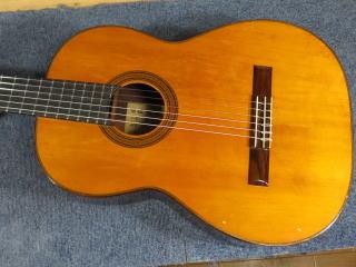 中出阪蔵 クラシックギター、メンテナンス、修理、リペア