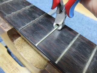 クラシックギター、フレット交換、リペア、修理