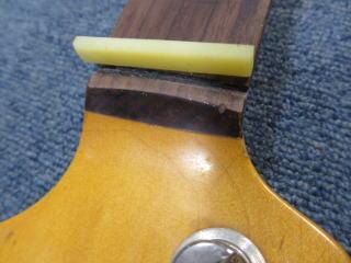 Fender Precision Bass、リペア、修理、ナット交換