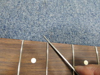 Fender Precision Bass、リペア、修理、フレットサイド処理