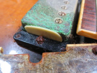 Gibson、リペア、修理、ピックアップカバー