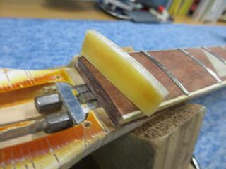 Rickenbacker 4001、リペア、修理、ナインス、NINTH、ナット交換