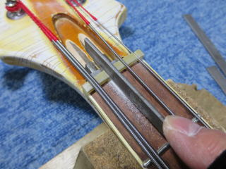 Rickenbacker 4001、リペア、修理、ナインス、NINTH、ナット溝切り