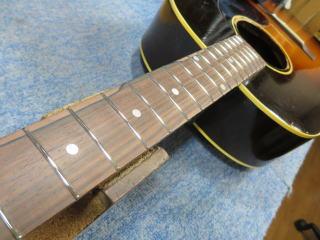 Gibson LG-2、修理、ナインス、50年代、ヴィンテージ、リペア、ギブソン、フレット交換