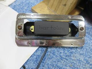 Rickenbacker 4001、リペア、修理、ナインス、NINTH、ピックアップ交換