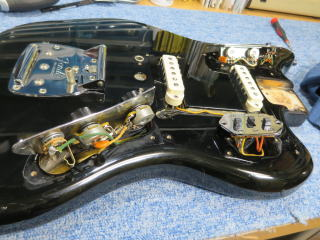 Fender Jaguar、リペア、修理、メンテナンス、杉並、高円寺、配線