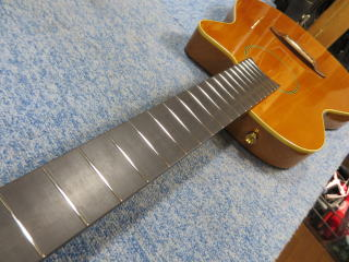 Carruthers Guitars、エレガット、リペア、修理、ナインス、杉並、フレット