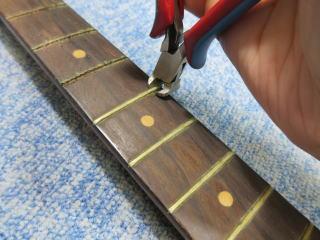 Fender Duo Sonic、ナインス、修理、リペア、杉並、フレット交換