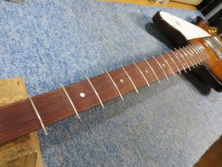 Gibson Thunderbird、修理、ナインス、杉並、東京、リペア、フレット
