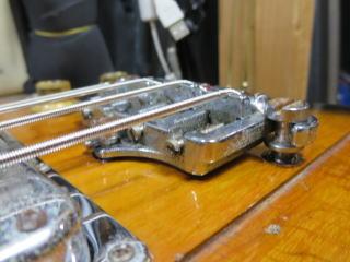 Gibson Thunderbird、修理、ナインス、杉並、東京、リペア、ブリッジ