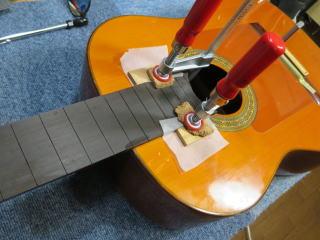 コンデ・エルマノス、修理、ナインス、東京、クラシックギター、リペア、クラック