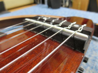 サイレントギター、修理、メンテナンス、弦高、ナインス、サドル