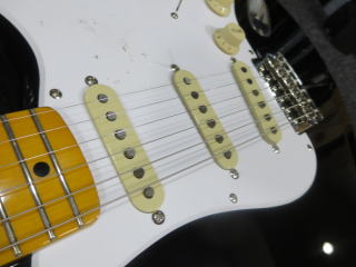 Squier Stratocaster、杉並、東京、ナインス、修理、リペア、スクワイヤー、ピックアップ
