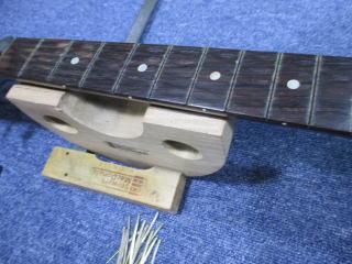 Gibson J-45、ナインス、杉並、東京、高円寺、リペア、修理、指板