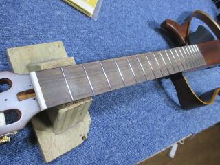 ヤマハ・サイレントギター、ナインス、杉並、高円寺、東京、リペア、フレットすり合わせ