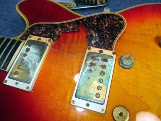 Gibson ES Artist、リペア、ナインス、東京、修理、杉並、セルロイド、ピックガード、青錆