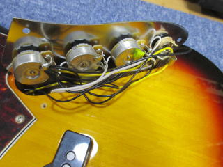 Fender Jazz Bass、ナインス、リペア、修理、東京、杉並、高円寺、配線